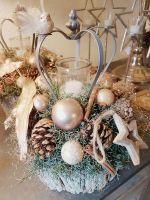Weihnachtlicher-Rindentopf-mit-Kronenlicht